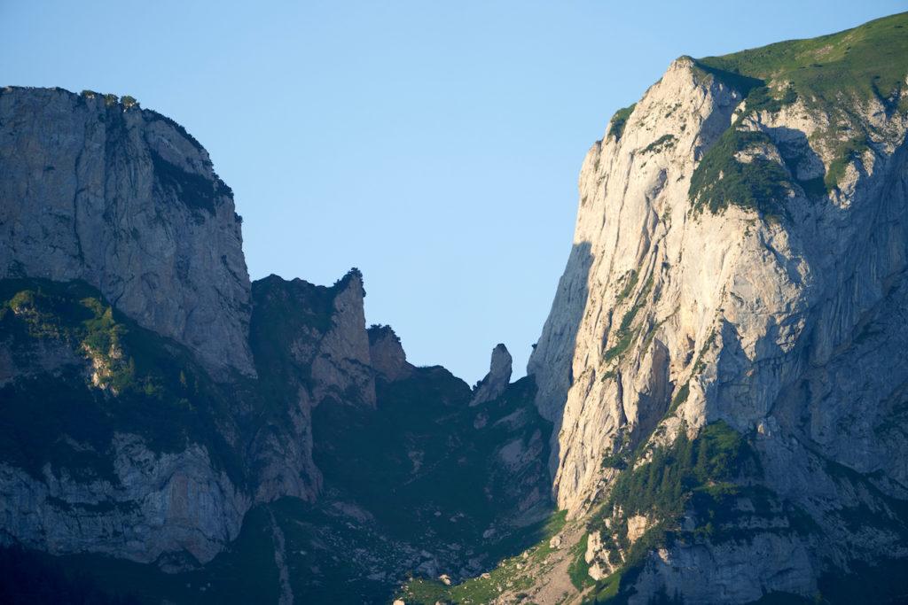 Blick von Weissbad aus zur Bogartenlücke, mit Bogarten-Mandli
